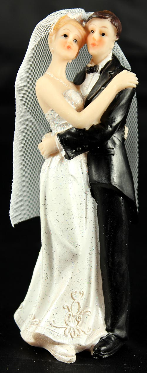 Resin White Bride & Groom Standing 04